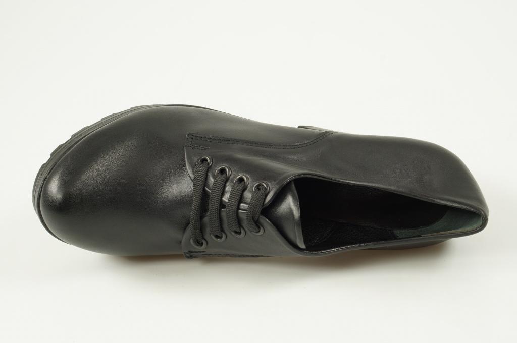 Обувь третья пара в подарок 16